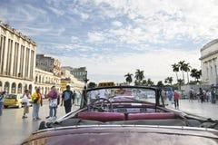 Oude uitstekende Amerikaanse auto. HAVANA: 30TH Dec, 2009. Royalty-vrije Stock Foto's