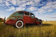 Oude uitstekende auto Royalty-vrije Stock Foto's