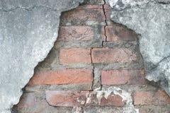 Oude uitstekende bakstenen muur Royalty-vrije Stock Foto's