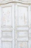 Oude uitstekende deur stock afbeelding
