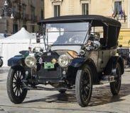 Oude uitstekende klassieke auto buik Royalty-vrije Stock Foto's