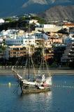 Oude Uitstekende Zeilboot in de Haven Royalty-vrije Stock Afbeeldingen