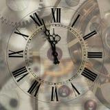 Oude uren met voorgestelde pijlen Royalty-vrije Stock Afbeeldingen