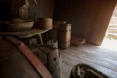 """Oude van ambachten†""""eigengemaakte vaten en vaatjes workshop Royalty-vrije Stock Fotografie"""