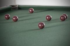 Oude van de snookerlijst en bal reeks stock foto's