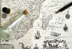 Oude varende kaart, piraat & verborgen schatconcept royalty-vrije stock fotografie