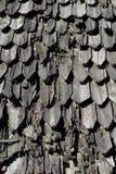Oude verf van hout op het dak Stock Foto's