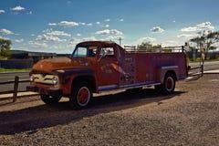 Oude verlaten de brandvrachtwagen van Route 66 royalty-vrije stock foto's