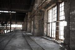 Oude verlaten fabriek Stock Afbeeldingen