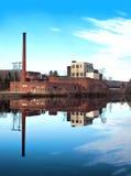 Oude, verlaten fabriek Stock Foto
