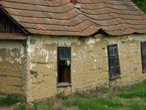 Oude verlaten gemaakte huizen?? van modder Stock Foto