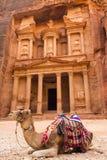 Oude verlaten rotsstad van Petra in Jordanië Stock Afbeeldingen