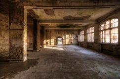 Oude verlaten ruimte Stock Afbeeldingen