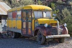 Oude verlaten schoolbus Stock Fotografie