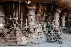 Oude, verlaten staalfabriek stock foto