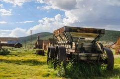 Oude verlaten wagen in een Amerikaanse Spookstad royalty-vrije stock foto