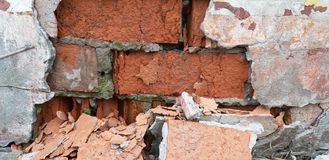 Oude vernietigde muur dicht omhoog royalty-vrije stock foto