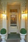 Oude vers geschilderde deuren in Frans Kwart dichtbij Bourbonstraat in New Orleans, Louisiane Royalty-vrije Stock Afbeelding
