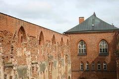 Oude vesting, een muur en een toren stock afbeelding