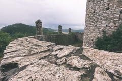 oude vestingsmening van ver weg - de wijnoogst ziet eruit Stock Afbeeldingen