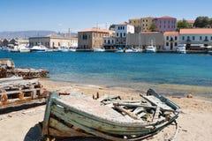 Oude vissersboot. Chania, Kreta, Griekenland Royalty-vrije Stock Afbeeldingen