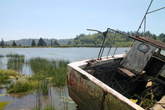 Oude vissersboot in Reedsport, Oregon Royalty-vrije Stock Afbeelding