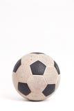 Oude voetbalbal royalty-vrije stock fotografie