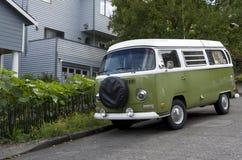 Oude Volkswagen-bestelwagen royalty-vrije stock fotografie