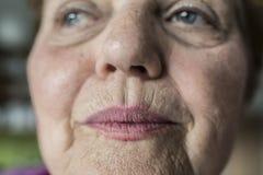 Oude vrouw royalty-vrije stock afbeelding