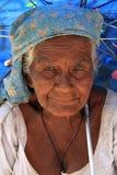Oude vrouw in Dambulla in Sri Lanka Royalty-vrije Stock Fotografie