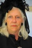 Oude vrouw in het rouwen royalty-vrije stock fotografie