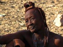 Oude vrouw Himba Stock Afbeeldingen