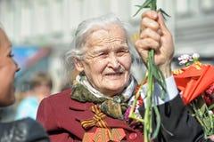 Oude vrouwenveteraan van WO.II royalty-vrije stock foto