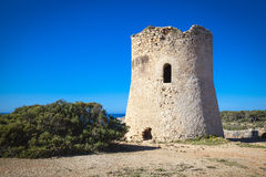 Oude watchtower in Cala Pi stock fotografie