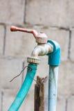 Oude waterkraan royalty-vrije stock foto