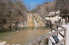 Oude watermill in de lente Royalty-vrije Stock Foto's