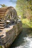 Oude watermolen, Veules des Roses, Normandië Stock Afbeeldingen