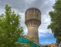 Oude watertoren tegen de hemel in Serpukhov royalty-vrije stock afbeeldingen