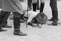 Oude Westelijke Nasleep Gunfight Stock Afbeeldingen