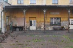 Oude, Westeuropese spoorwegpost royalty-vrije stock afbeeldingen