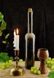 Oude wijn en wijnstok Royalty-vrije Stock Foto's