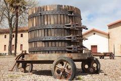 Oude wijnpers stock fotografie