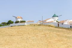 Oude Windmolen in Vila do Bispo Stock Foto