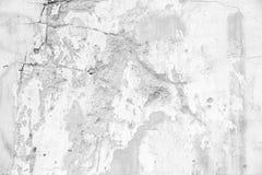 Oude witte barst concrete muur stock fotografie