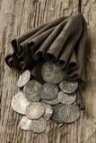 Oude zilveren muntstukken in beurs Royalty-vrije Stock Foto