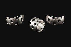 Oude zilveren ring en oorringen stock fotografie