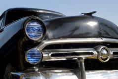 Oude zwarte Amerikaanse auto Stock Fotografie