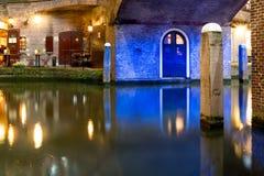 Oudegracht bis zum Nacht in Utrecht, die Niederlande Lizenzfreies Stockfoto