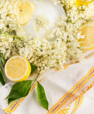 Oudere bloemen, suiker en citroenen, hoogste mening royalty-vrije stock foto