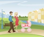 Ouders die in het Park wandelen Stock Afbeeldingen